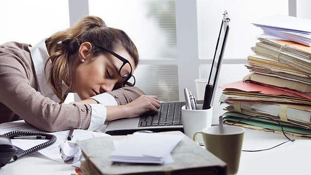 Come combattere la stanchezza  con i rimedi naturali