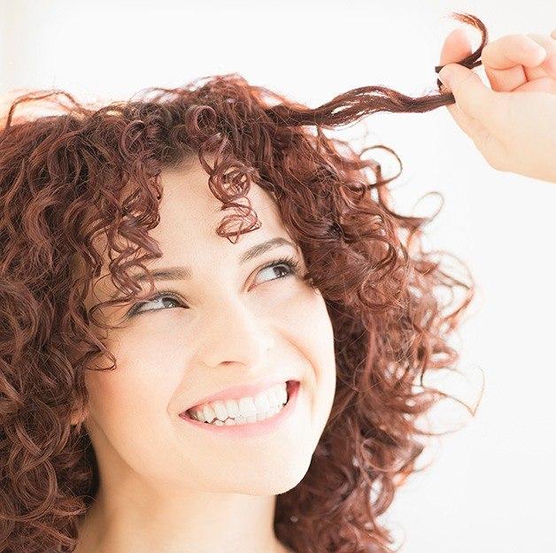 Maschera al cetriolo per capelli ricci