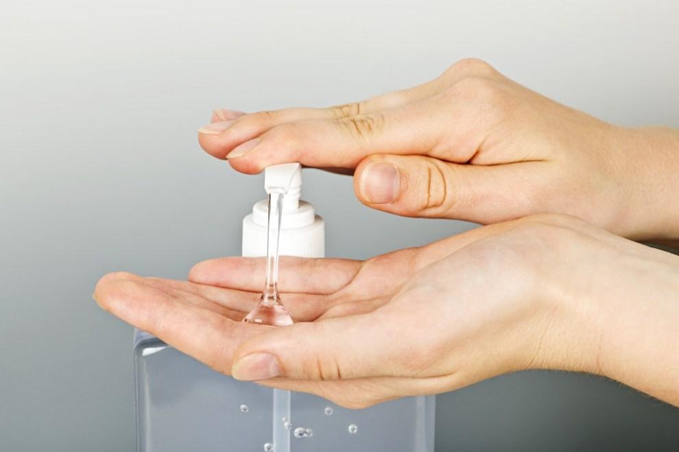 Come preparare il gel antibatterico fatto in casa
