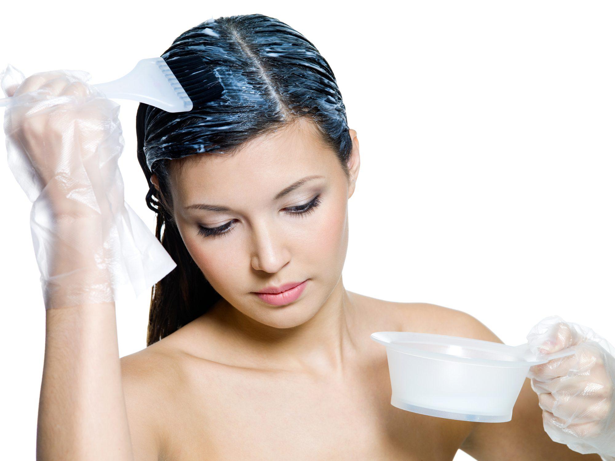 Maschera allo yogurt, rosmarino e salvia per capelli grassi