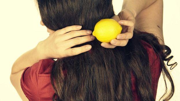 Come usare il limone per capelli grassi - rimedio molto efficace