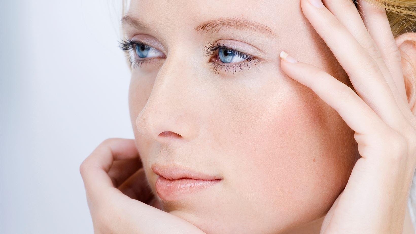 Come applicare la vitamina E sulla pelle
