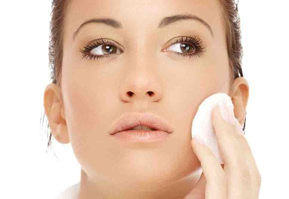 Come pulire il viso correttamente