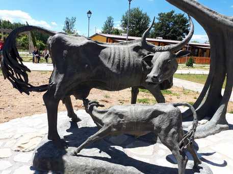 Amatrice: inaugurato monumento ai contadini