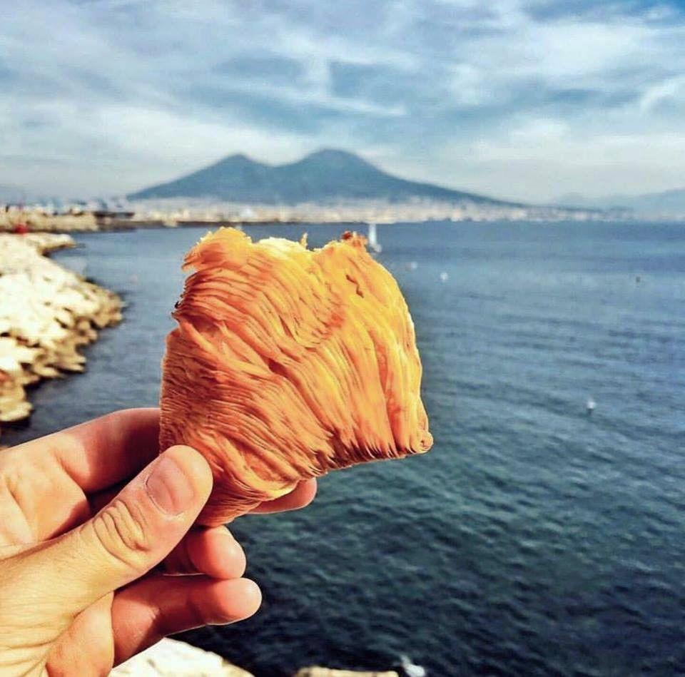 Dove mangiare le sfogliatelle più buone di Napoli