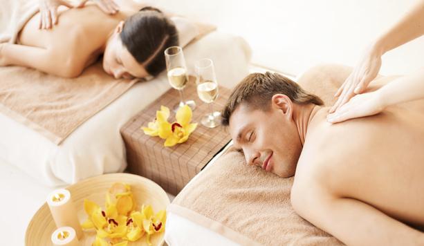 Olio di lavanda per massaggio di coppia