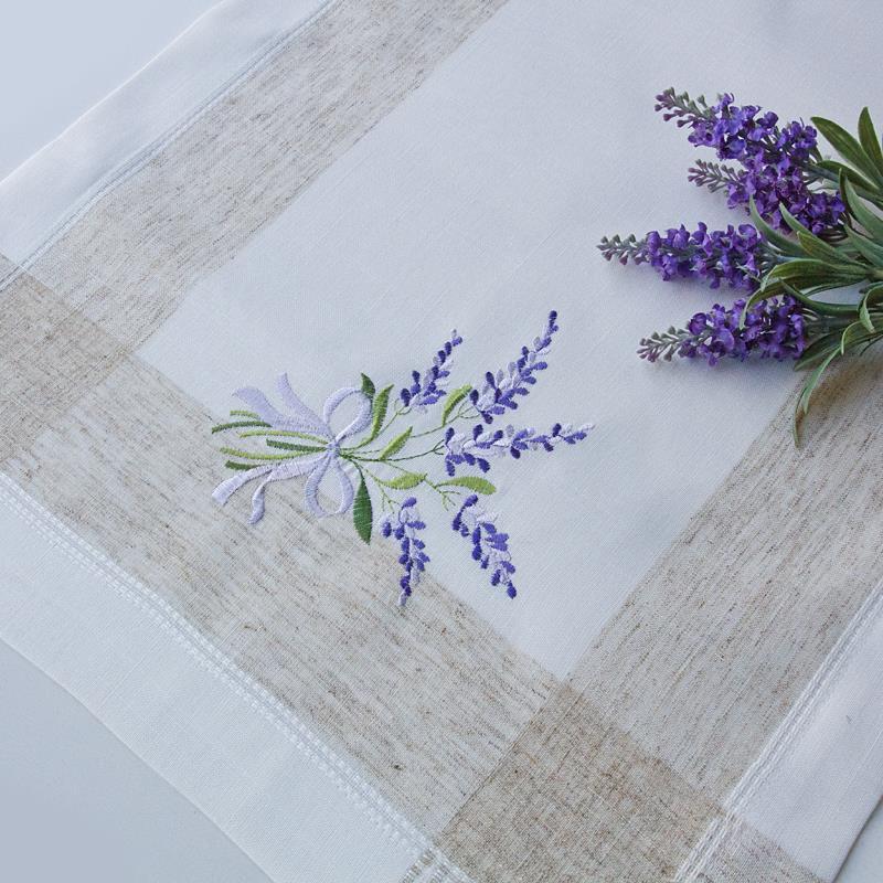 Come decorare le piastrelle del bagno con fiori di lavanda