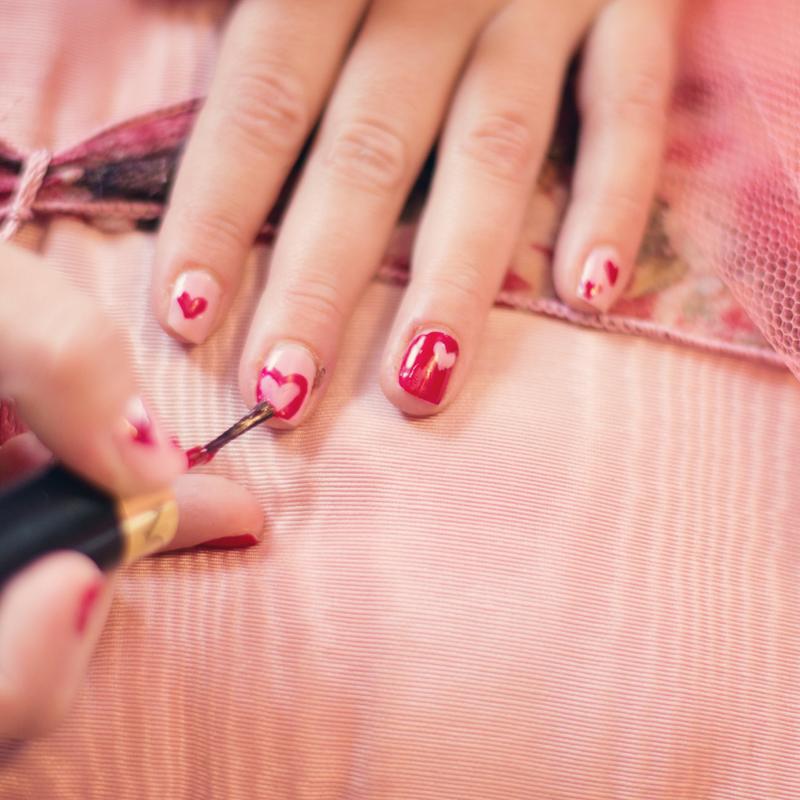 La manicure classica è davvero passata di moda?