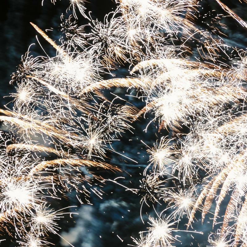 Quattro modi per salutare il nuovo anno in modo alternativo
