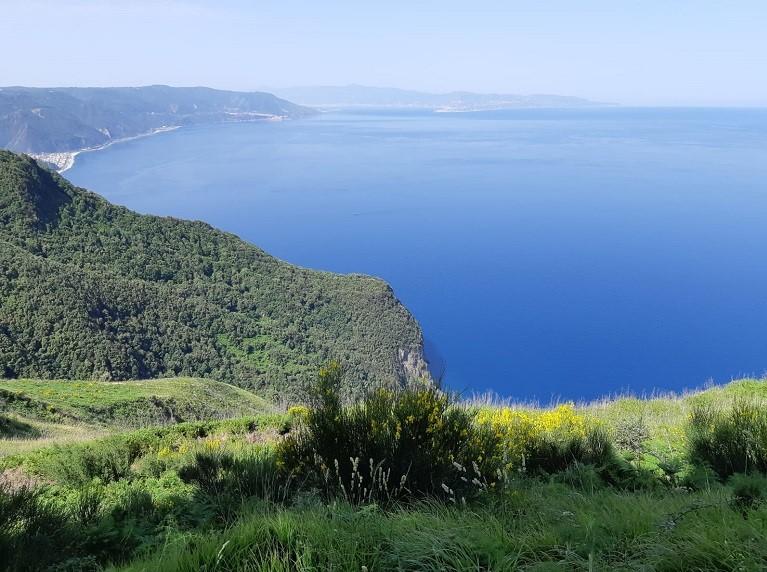 I muretti a secco della Costa Viola, itinerario da scoprire