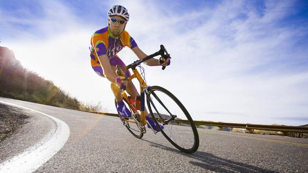 Ciclisti: i morti sulle strade non diminuiscono