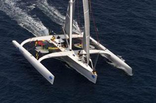 Viaggi e sport: il catamarano per divertirsi in sicurezza
