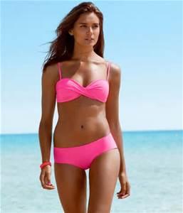 Bikini e costume: la prima protezione contro i tumori del sole
