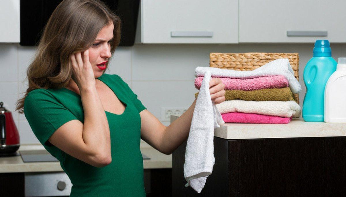 Come rimuovere le macchie di gomma dai tessuti