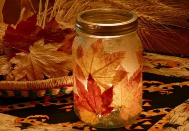 Autunno: le foglie decorative e la vernice si sposano