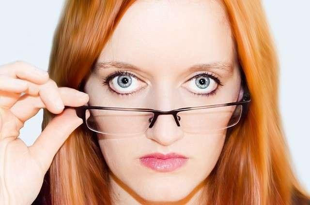 Occhiali allentati