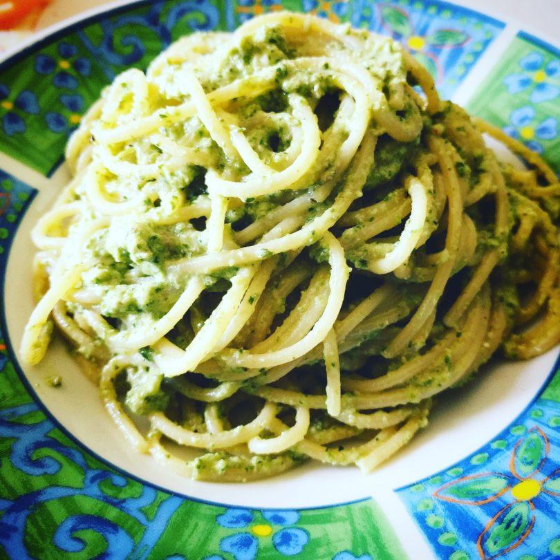 Spaghetti con zucchini e rucola