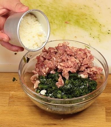 Tortino arrotolato salsiccia e spinaci