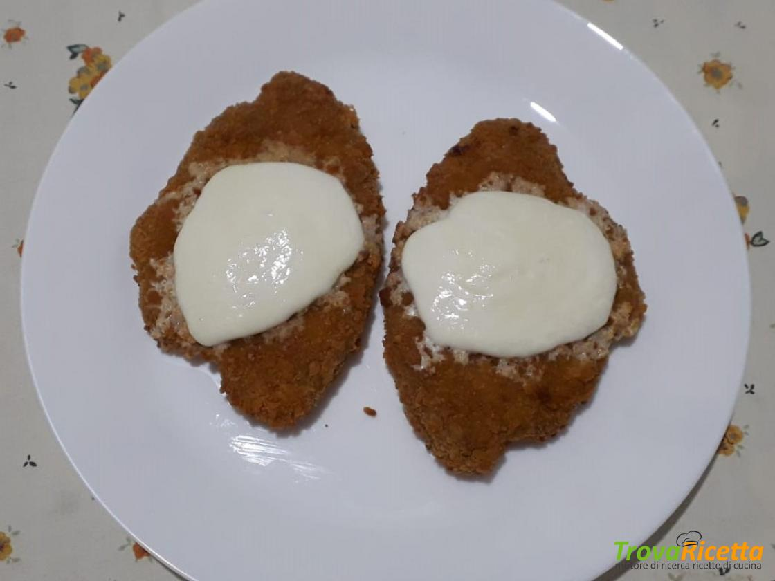 Cotoletta di pollo e mozzarella