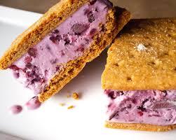 Torta fredda con biscotti e gelato