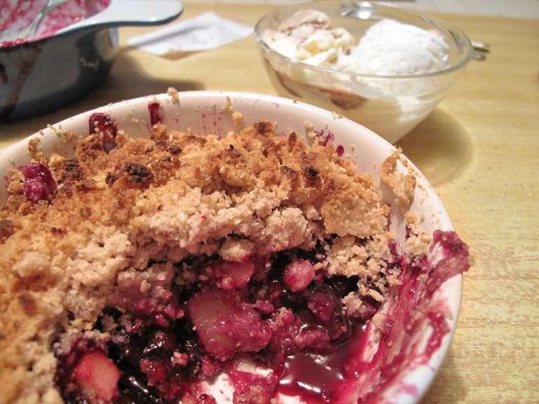 Crumble di mele e rabarbaro senza glutine