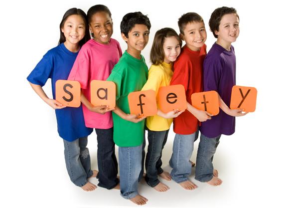 Bambini e fotografie: on line serve prudenza