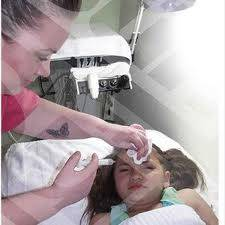 Iniezioni di botox ad una figlia di 7 anni.