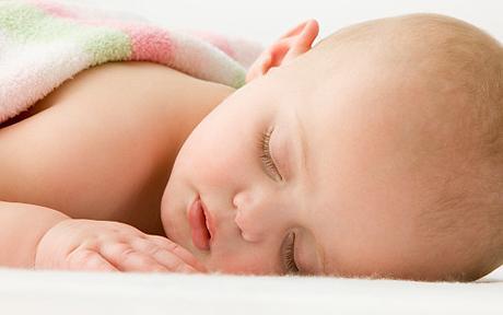 Cari genitori, attenzioni ai litigi...anche se i bimbi dormono.