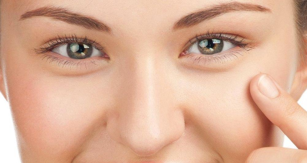 Come eliminare le linee di espressione sotto gli occhi