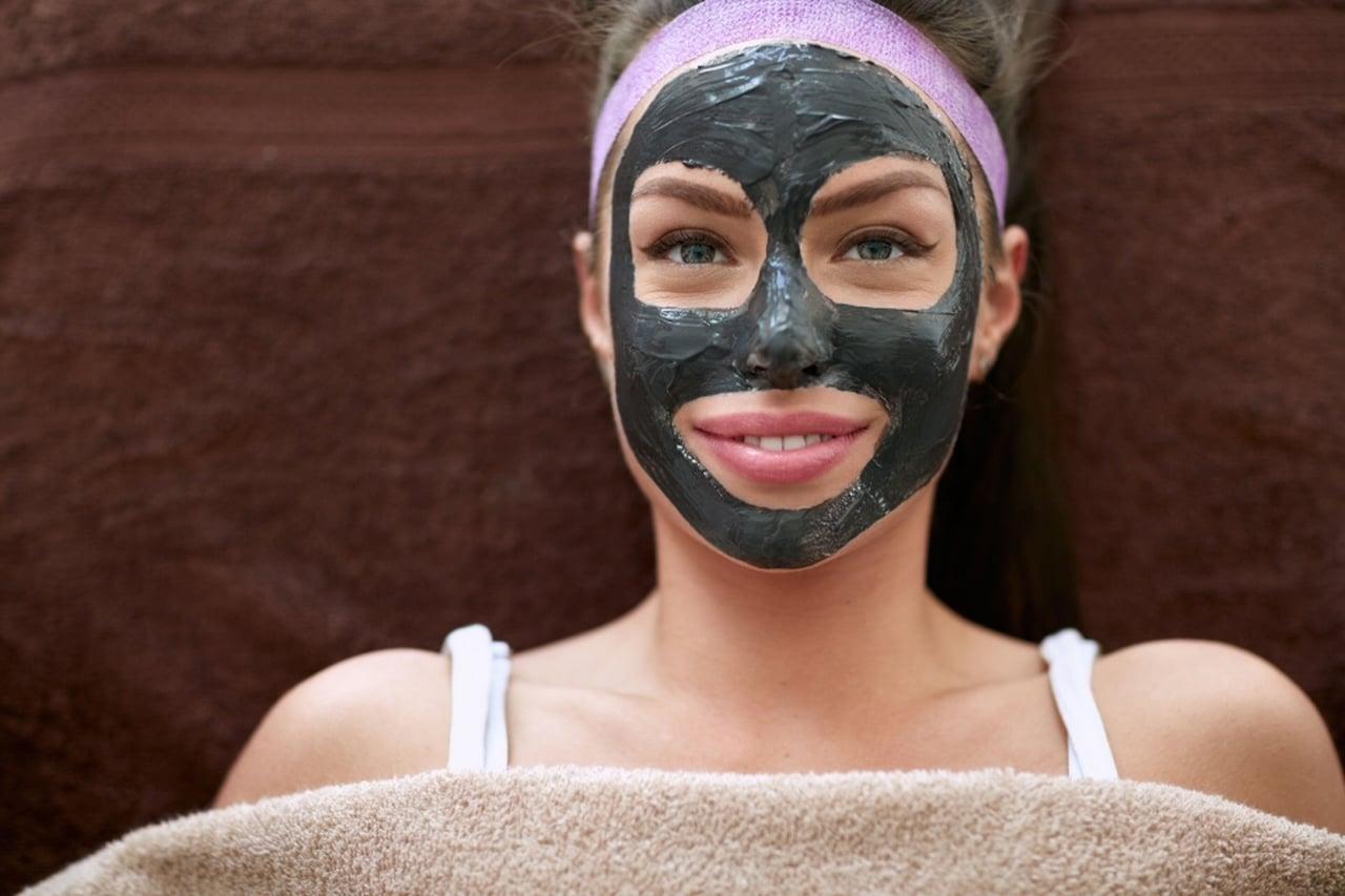 Come fare una maschera nera