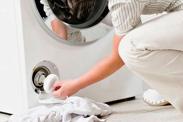 Cosa succede se non pulisci il filtro della lavatrice?