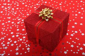 La lista dei regali natalizi per amici appassionati di film e serie TV