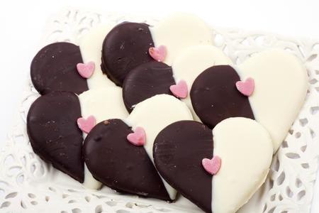 San Valentino: biscotti glassati allo zenzero e cioccolato