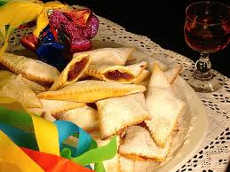 Crostoli di Carnevale ripieni di marmellata