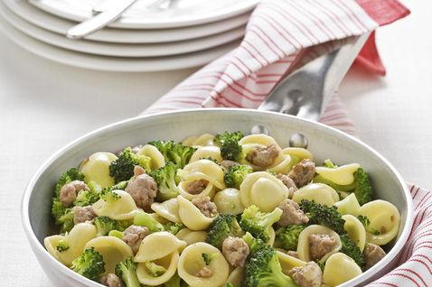 Menù della domenica:orecchiette broccoli e salsiccia, pollo alla panna