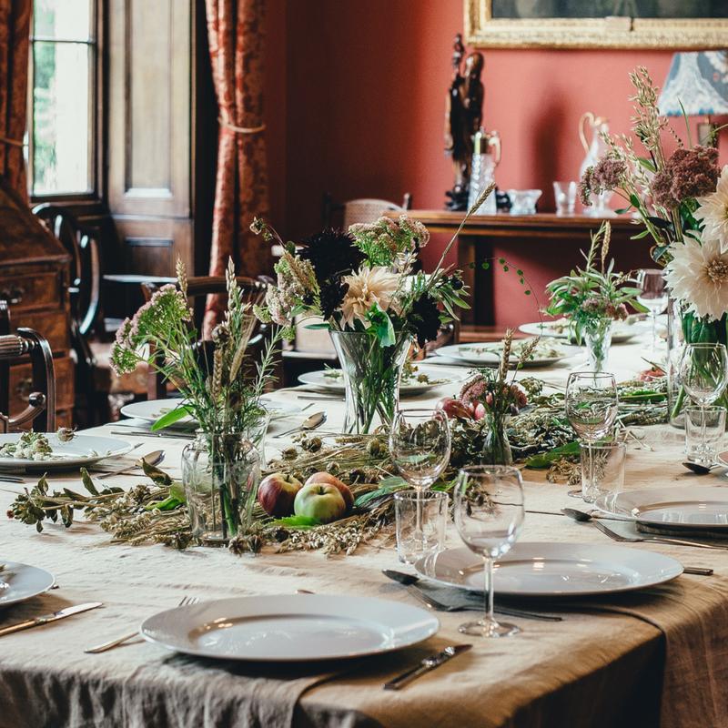 Tre idee per apparecchiare la tavola con fantasia